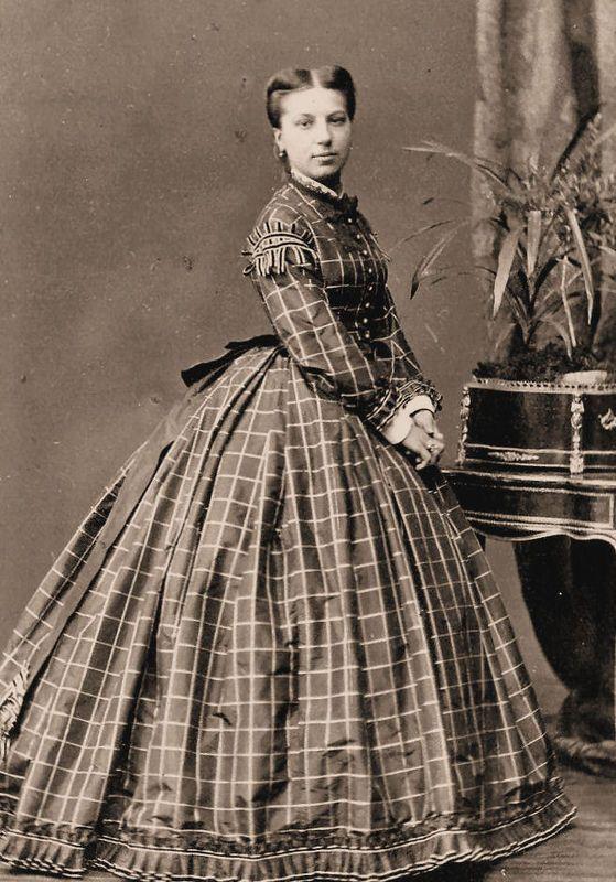 Tageskleid um 1865